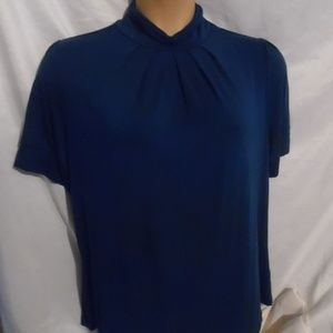 Apt 9 Essential Womans Top Has Stretch Size 1X EXC